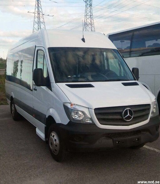 Mercedes 516 CDI Sprinter / 20 passengers + guide
